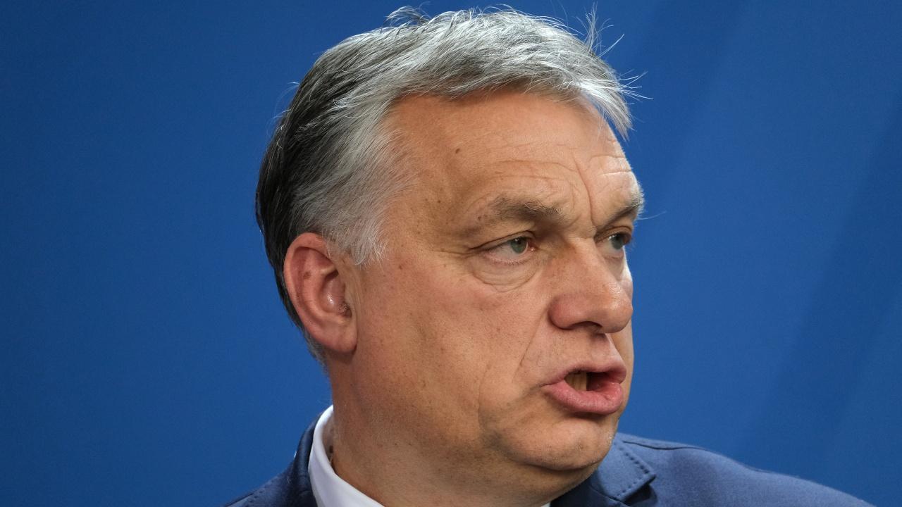 Орбан защити изказванията си против мигрантите по време на визитата си във Великобритания