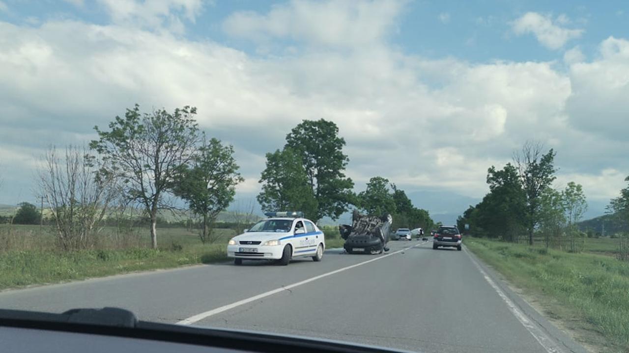 Зрелищна катастрофа на пътя Самоков - София