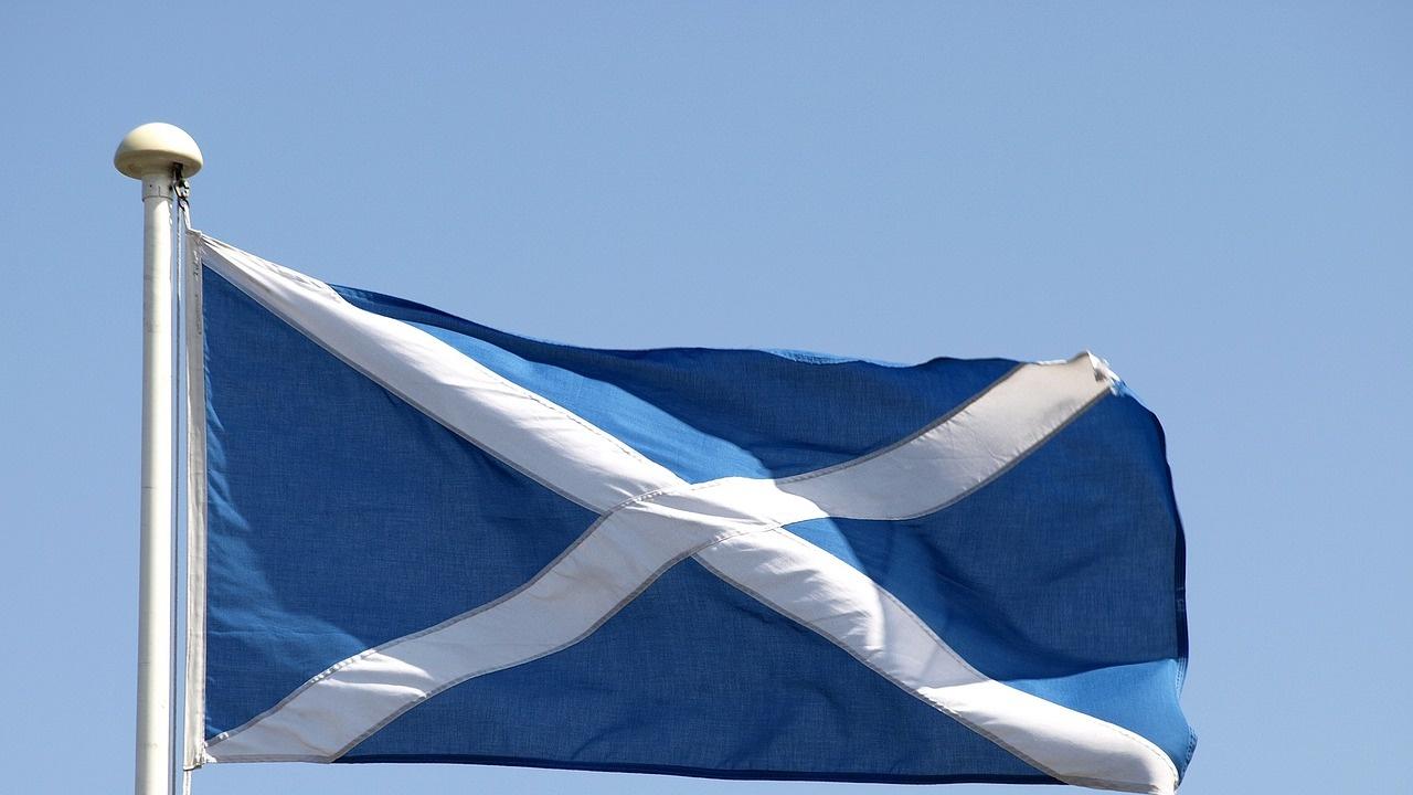 Шотландия иска удължаване срока на статут на уседналост за граждани от ЕС