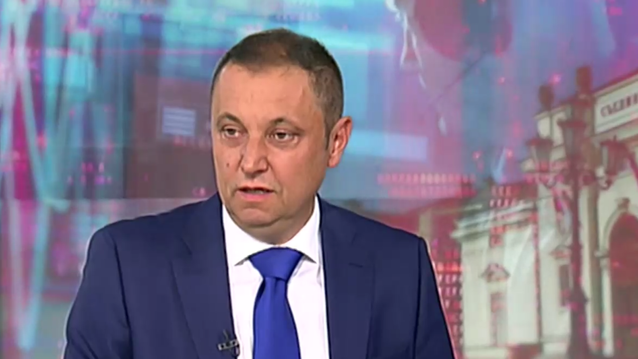 Яне Янев: ДАНС и ДАР се употребяват удобно при всяка смяна на властта