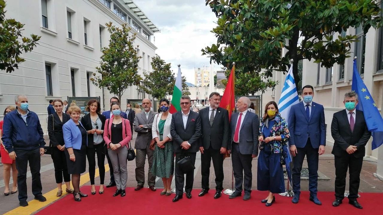 Българското посолство представи в центъра на Подгорица изложба, посветена на 24 май