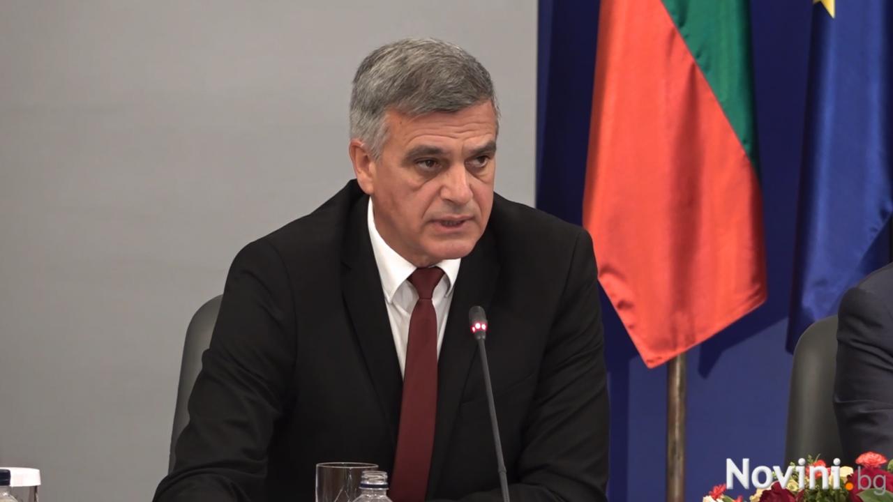 Стефан Янев предупреди, че не изключва подводни камъни за изборите
