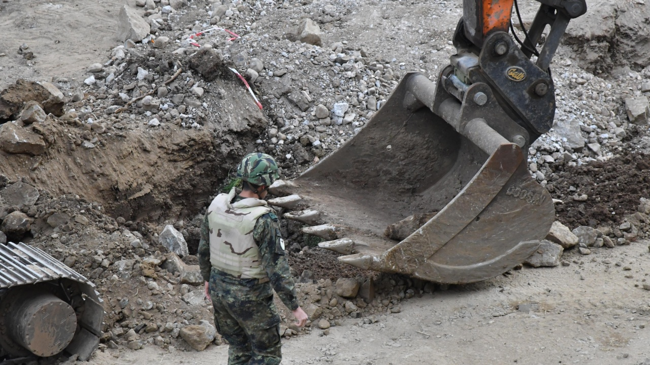 Откриха над 60 невзривени снаряда в Плевенско