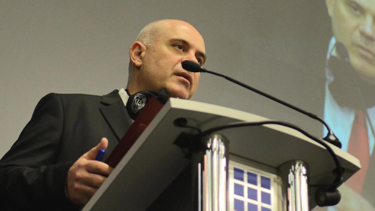 Гешев за Деня на Ботев: Нека пазим нашата идентичност и силата на българския дух