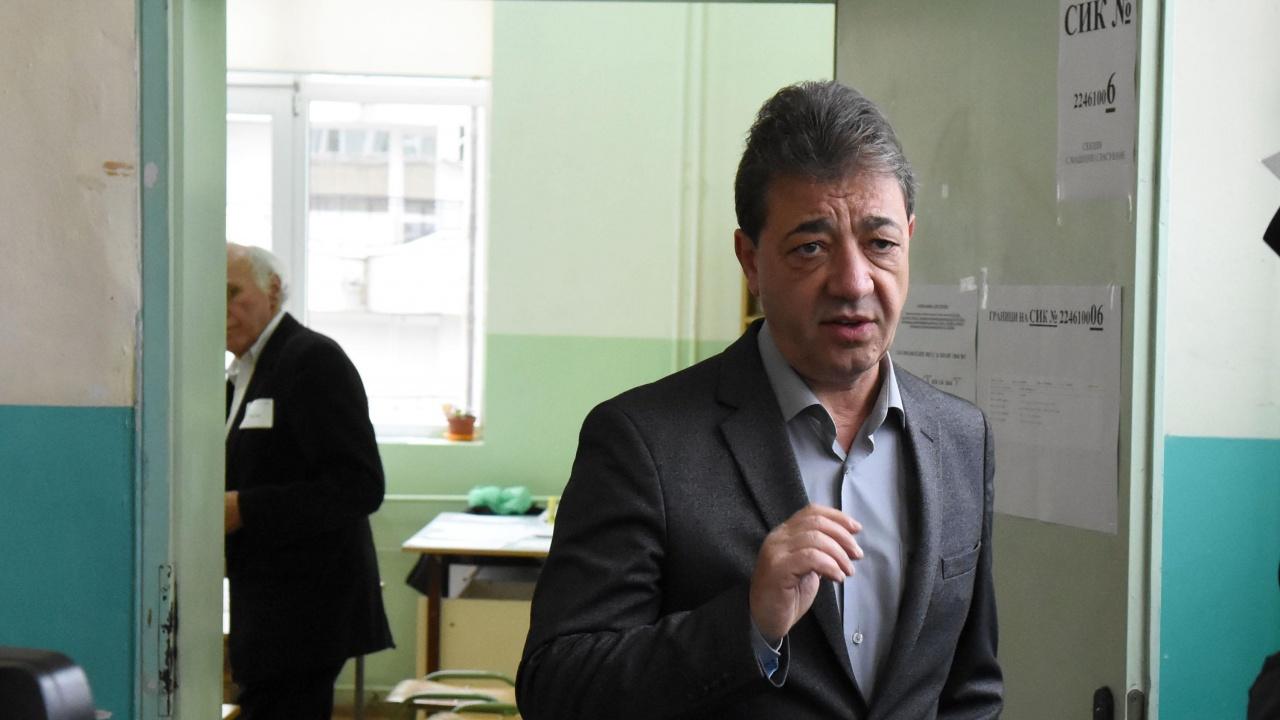 Проф. Вили Лилков проследява в книга съдбата на спасителите на българските евреи