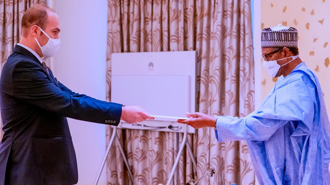 Посланик Янко Йорданов връчи акредитивните си писма на президента на Нигерия