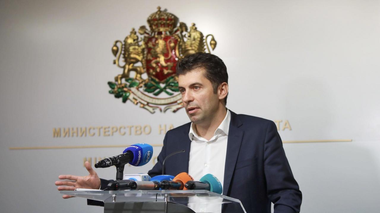Кирил Петков: Чуждестранните инвестиции и износът ще изведат икономиката от кризата