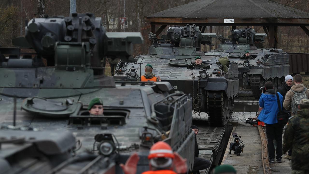 Руската армия стяга редиците с нови военни формации, разполага ги близо до нас