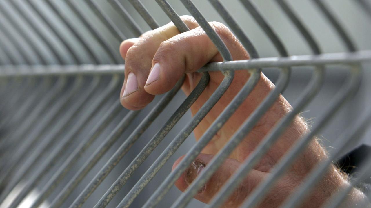 Арестуван израелски разузнавач почина при съмнителни обстоятелства