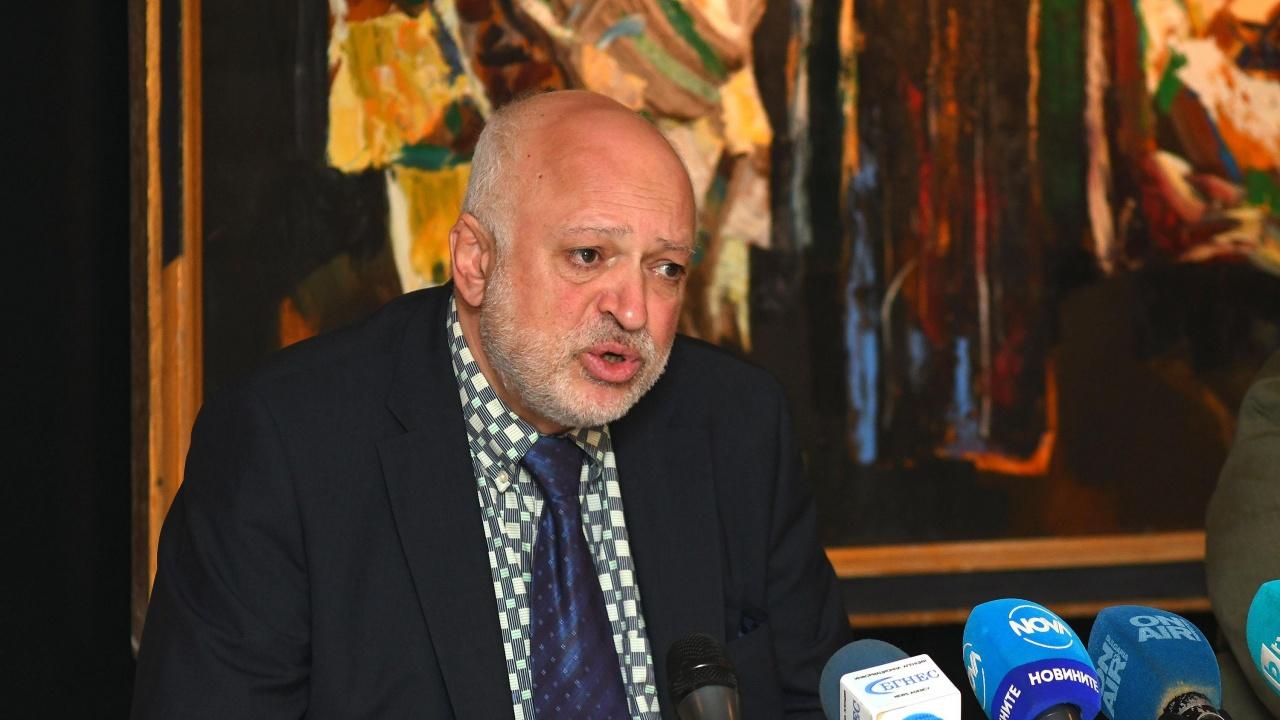 Проф. Велислав Минеков към директорите на театри: Нещата изглеждат много драматично