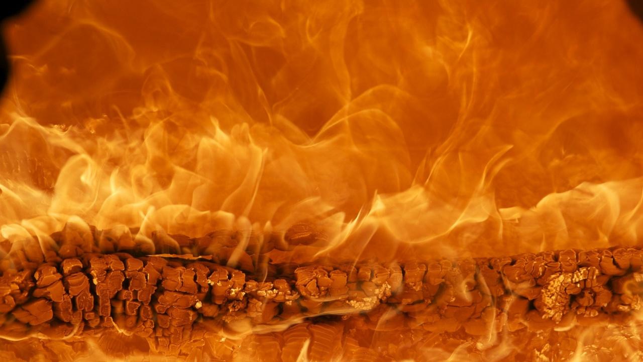 Баба загина при пожар в къщата си