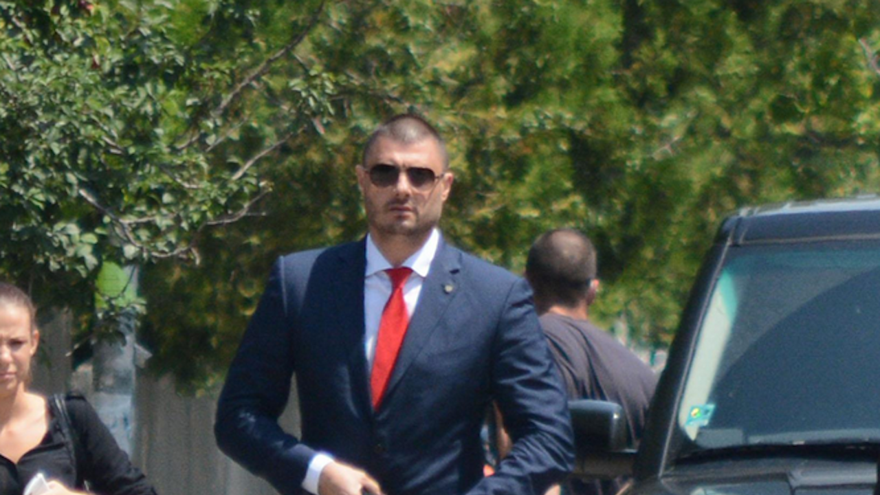 Николай Бареков: Манолова ли е новия политически лидер? Щото Божков каза, че е била при него