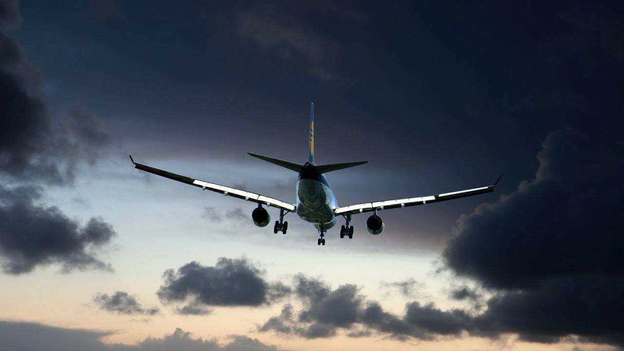 Министерството на туризма продължава предоставянето на държавна помощ от 35 евро за чартърни полети