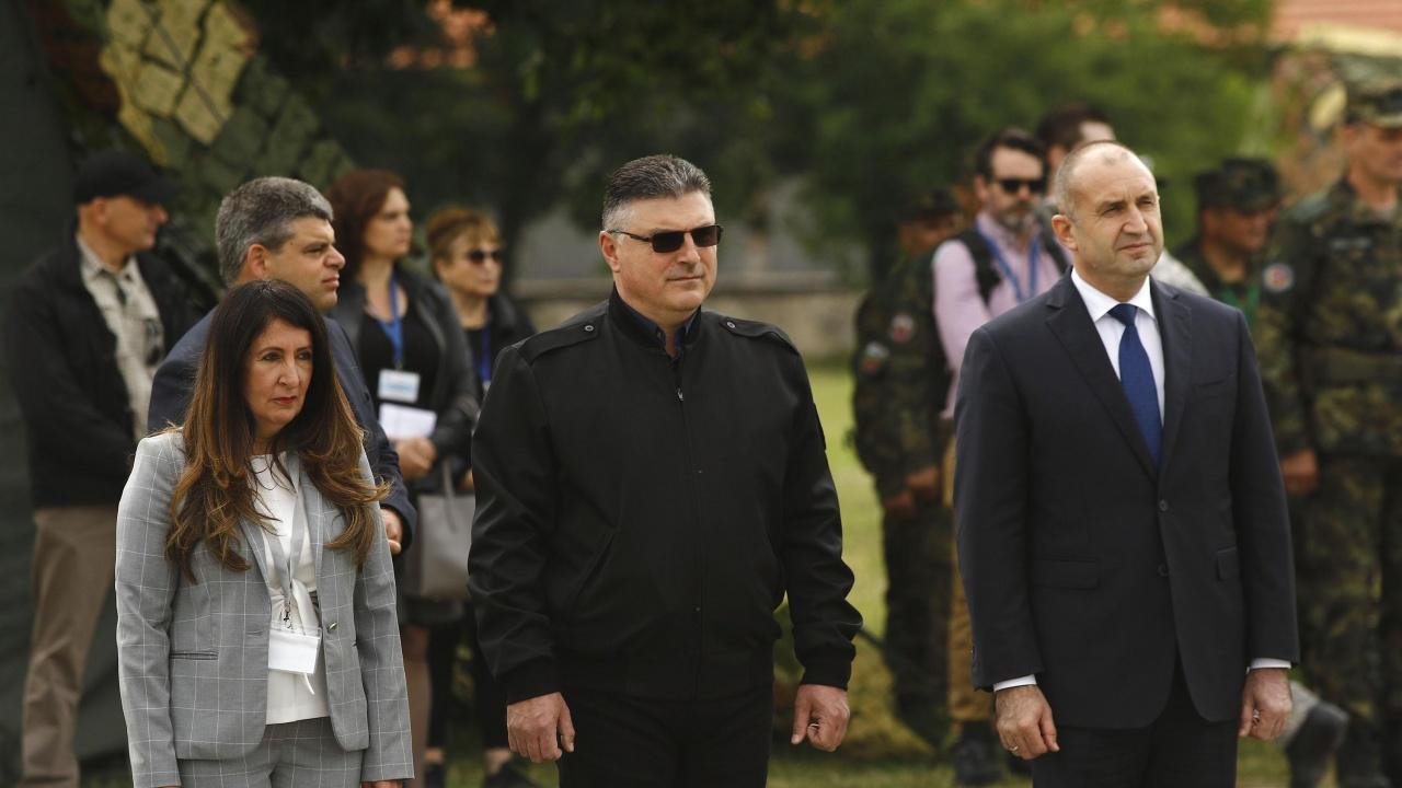 Румен Радев и Херо Мустафа заедно на международно учение край Хасково