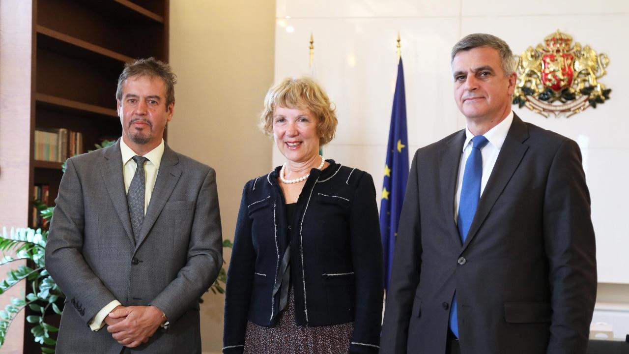 Стефан Янев проведе среща с посланиците на Кралство Белгия и Кралство Нидерландия у нас