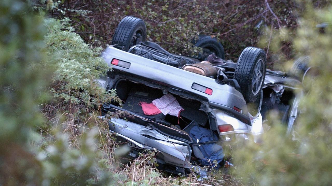 Кола с мигранти катастрофира в Гърция, двама загинаха