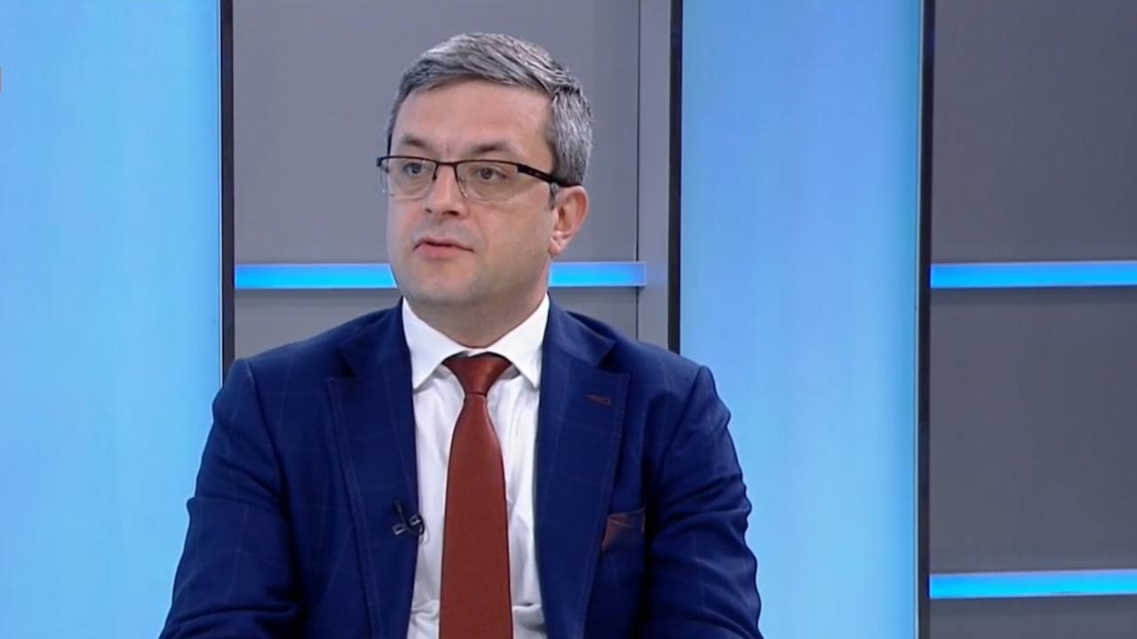 Тома Биков: За двама политически лидери има информация, че са контактували с Божков