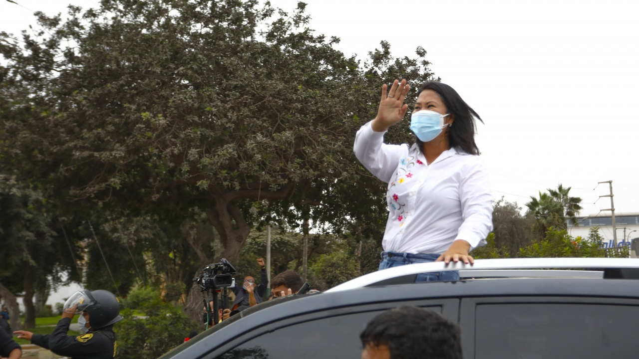 Кейко Фухимори води с близо 53% от гласовете на президентските избори в Перу