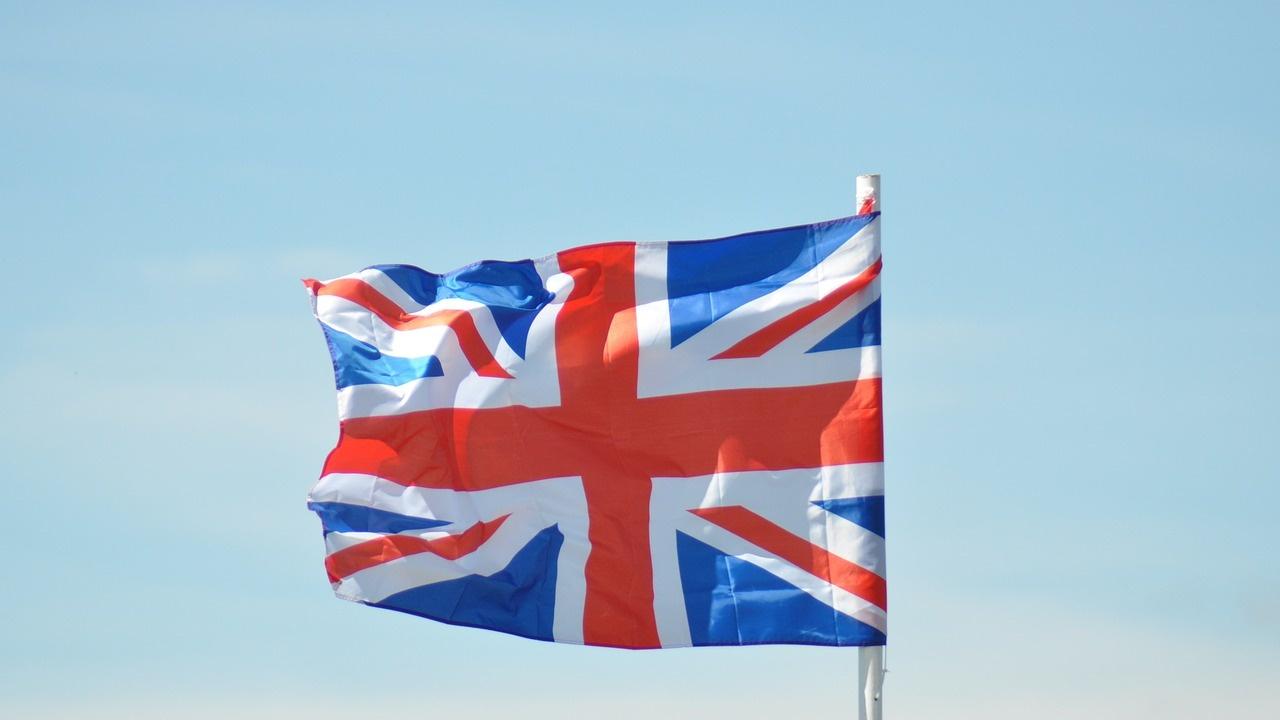 """Критики в Лондон срещу """"американската намеса в политиката на Острова"""""""