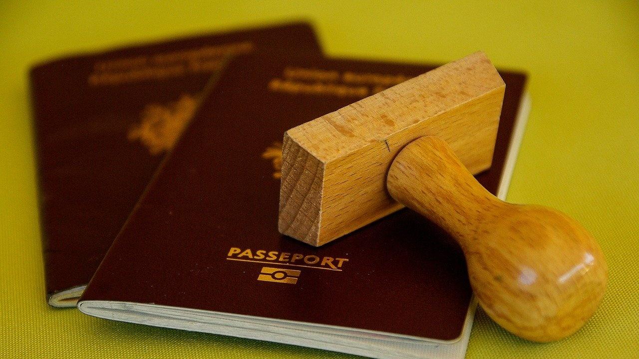 """Близо 70% от """"златните паспорти"""" в Кипър са издадени в нарушение"""