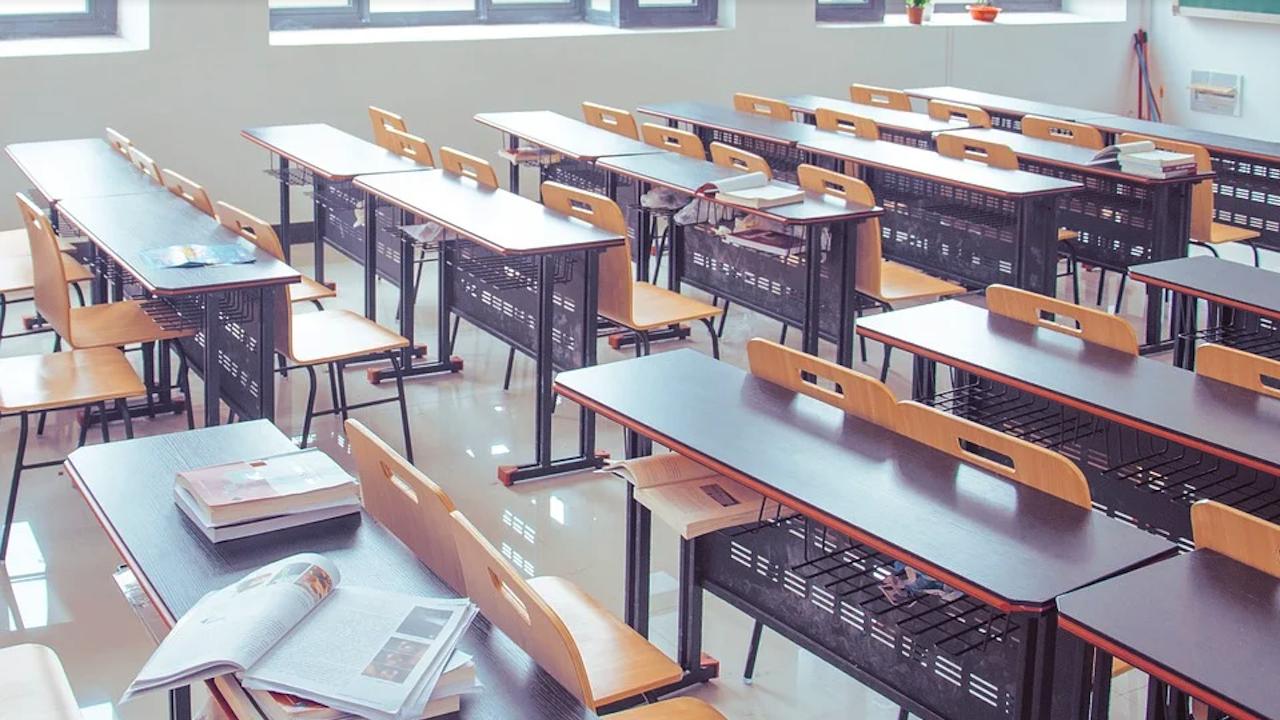 МОН съобщава за нарушения при матурите по БЕЛ след 4-ти клас