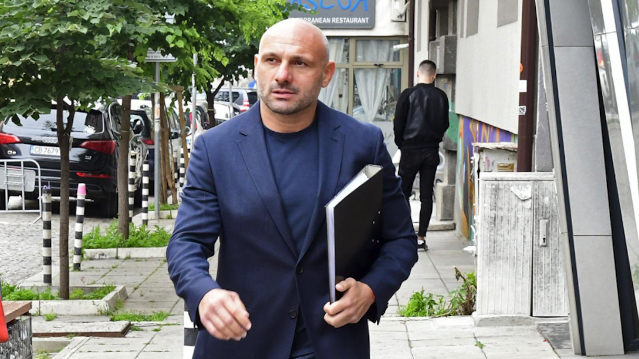 Стъки атакува Слави във ФБ: Говориш за истината, а бълваш измишльотини