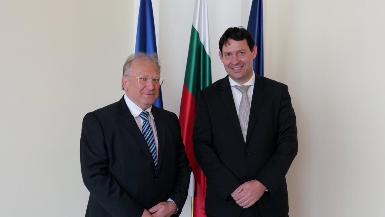 Министърът на външните работи  Светлан Стоев прие посланика на Словения Анжей Франгеш