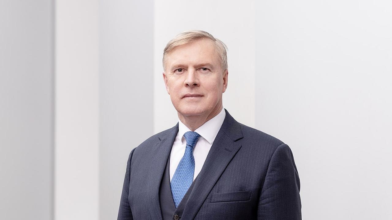 Естонският министър на отбраната оцеля при вот на недоверие
