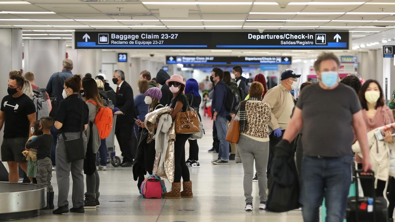 САЩ облекчи препоръките за пътуване до 61 държави