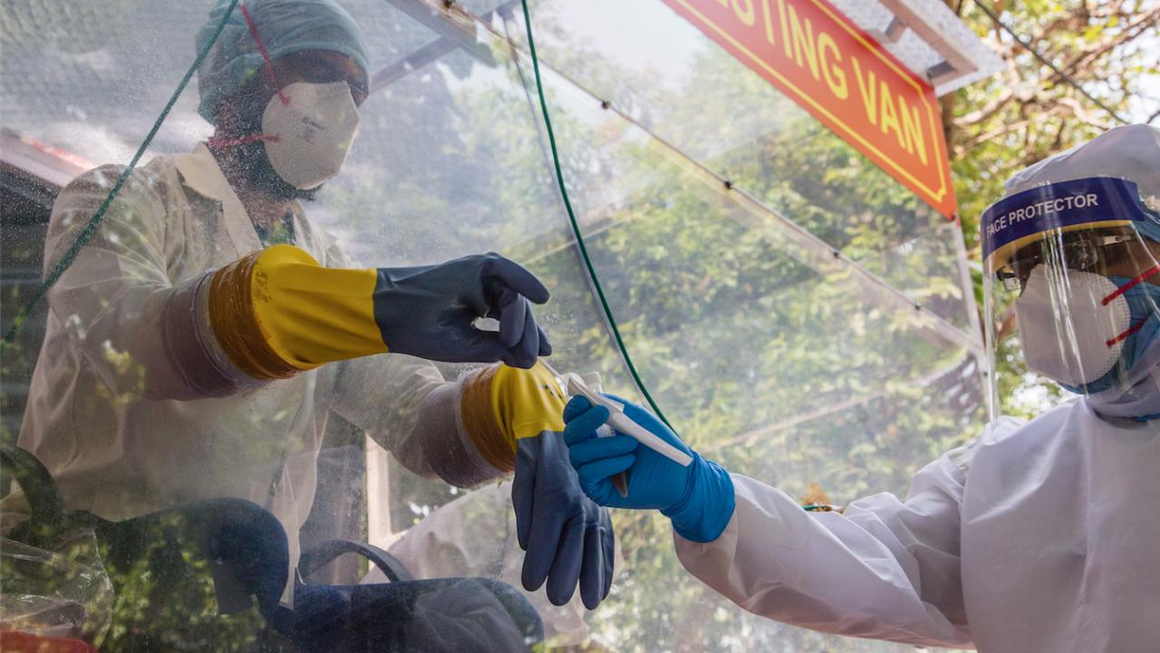 Индия отчете 92 596 нови случая на коронавирус през последното денонощие
