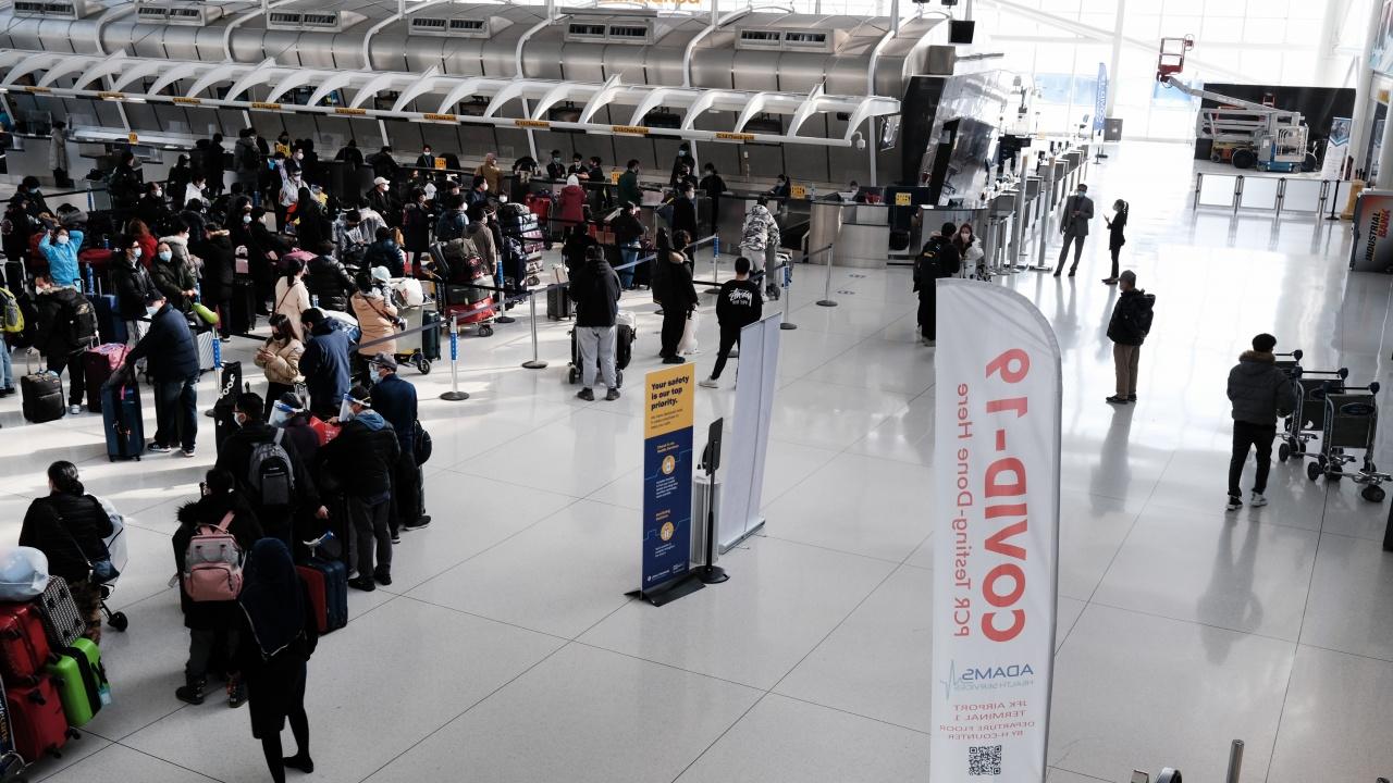 САЩ смекчават препоръките си за пътуване до 110 държави