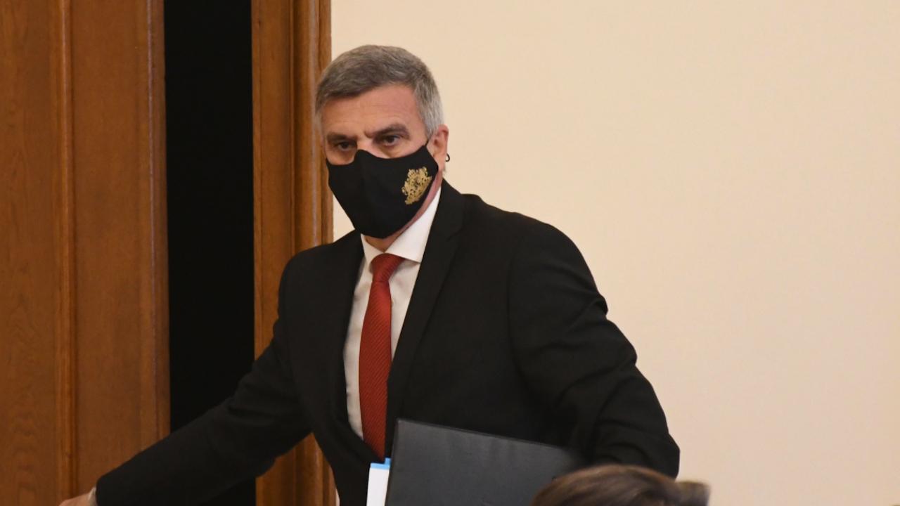 Премиерът Стефан Янев пътува към района на  инцидента с МиГ-29