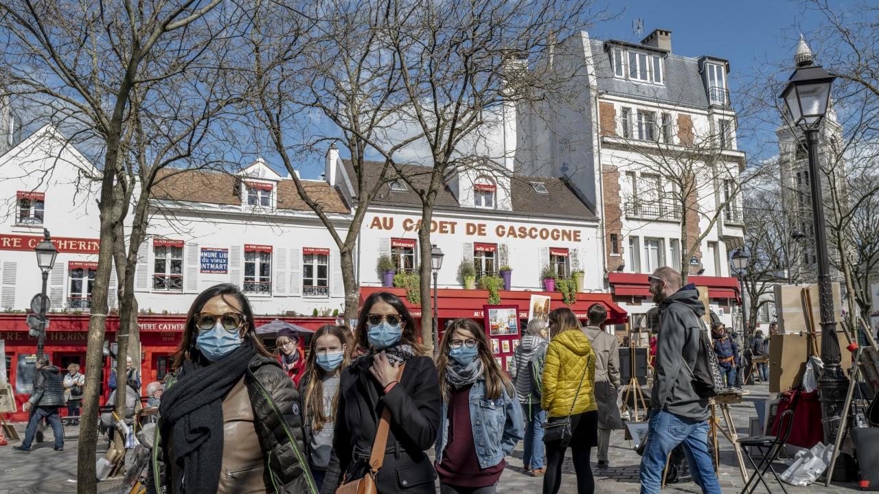 Франция отслабва мерките срещу коронавируса
