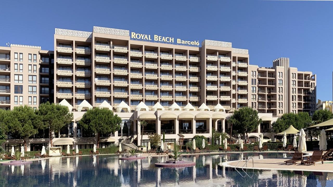 """Barceló Royal Beach в Слънчев Бряг се окичи с приза """"Изборът на пътуващите"""" на най-голямата платформа за пътуване TripAdvisor"""