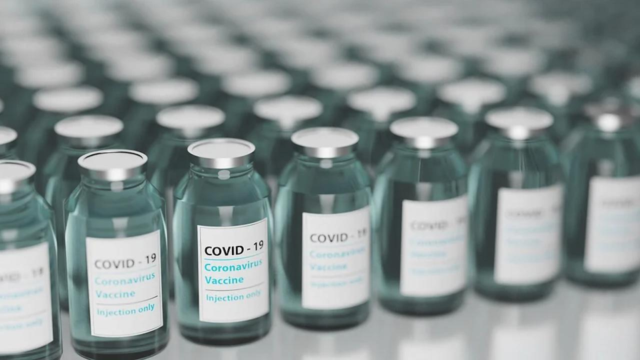 САЩ решават какво да правят с милионите дози ваксини срещу COVID-19, чиито срок за годност изтича