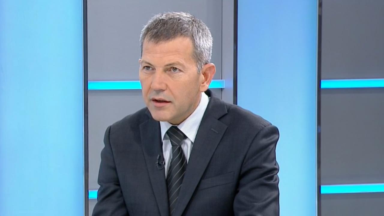 Транспортният министър заговори за нередности при две обществени поръчки в БДЖ