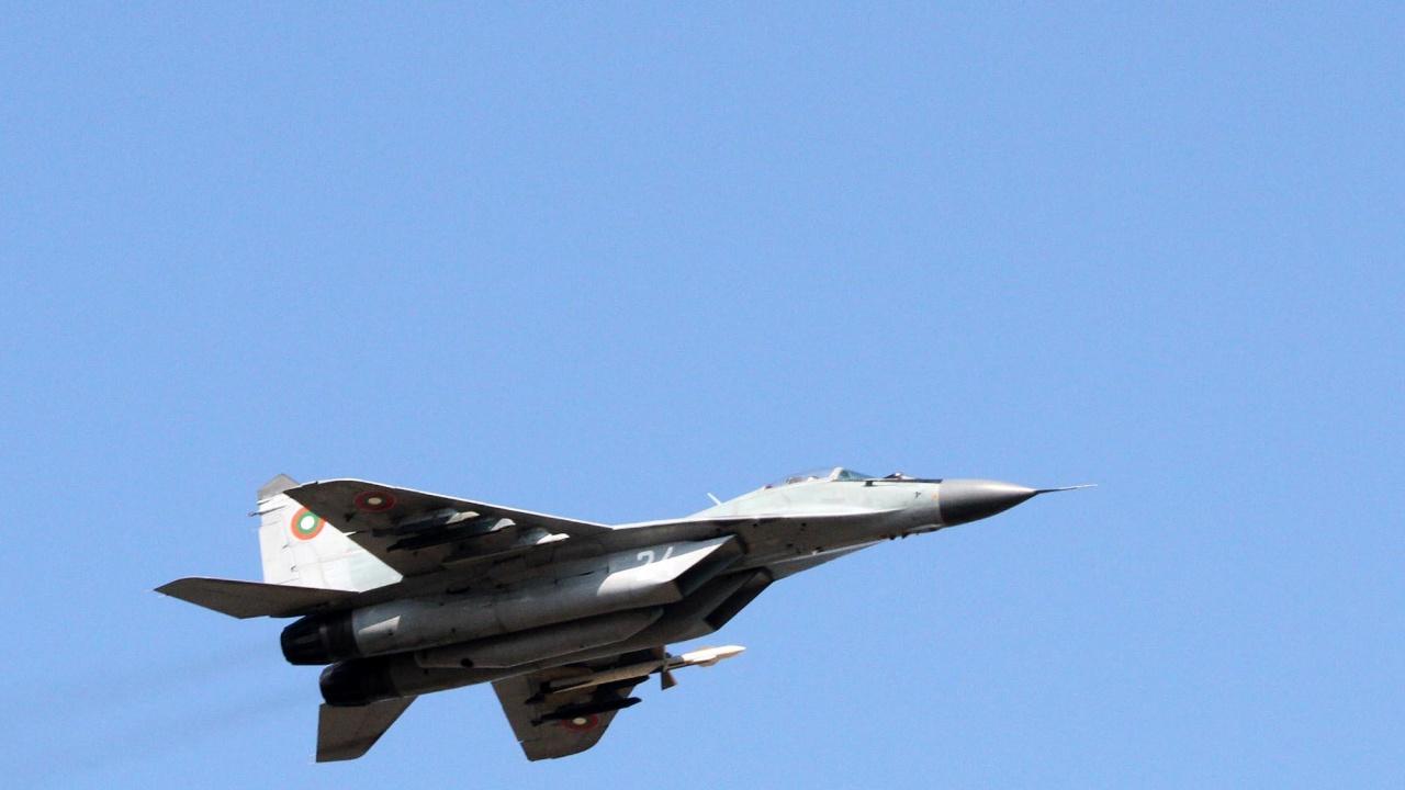 Водещите новини! Самолет на ВВС падна в Черно море,  МФ разкри още фирми под контрола на Пеевски и Божков