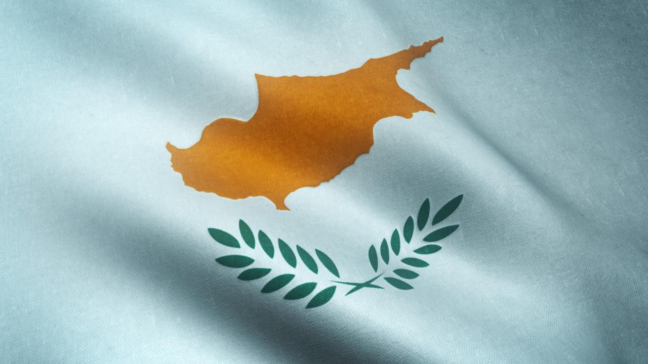 Кипър премахва вечерния час за пръв път от 15 месеца