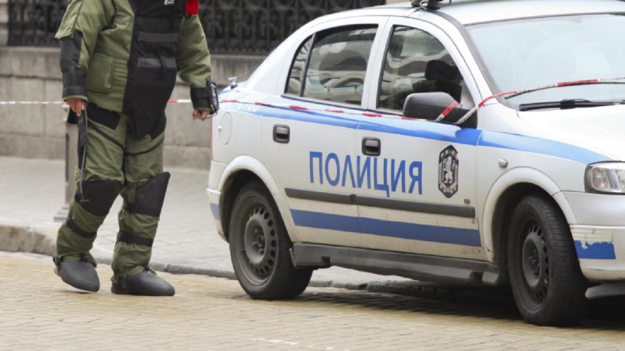 Съмнителен куфар вдигна сапьорите в Бургас на крак