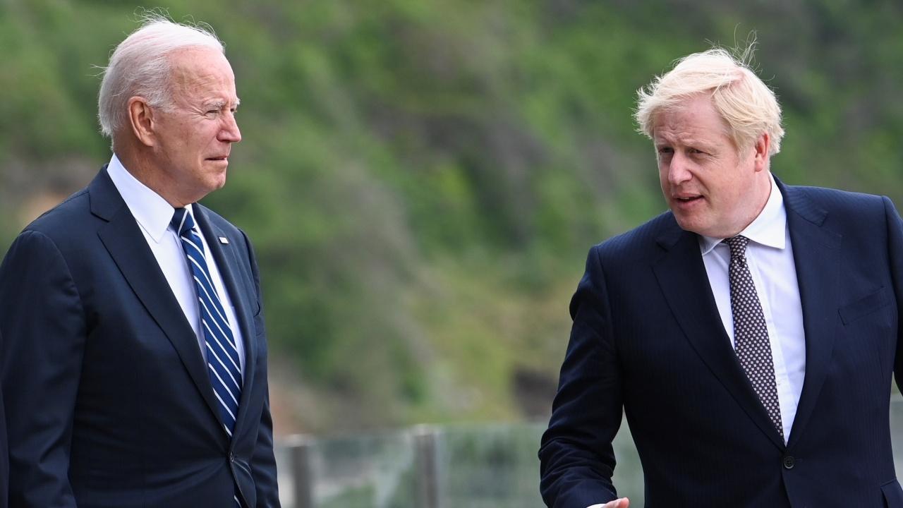 Борис Джонсън посрещна Джо Байдън в морски курорт преди срещата на върха на Г-7