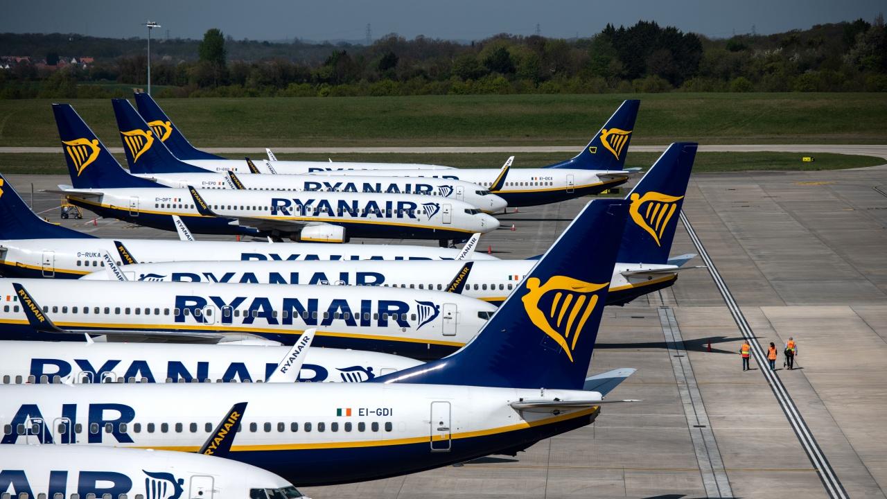 """ЕП призовава за санкции заради инцидента с полета на """"Райънеър"""""""