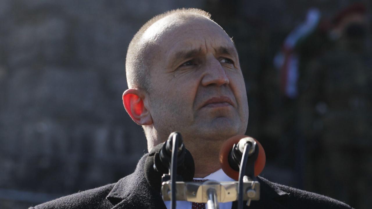 Румен Радев изказва съболезнования на семейството, близките и колегите на майор Валентин Терзиев