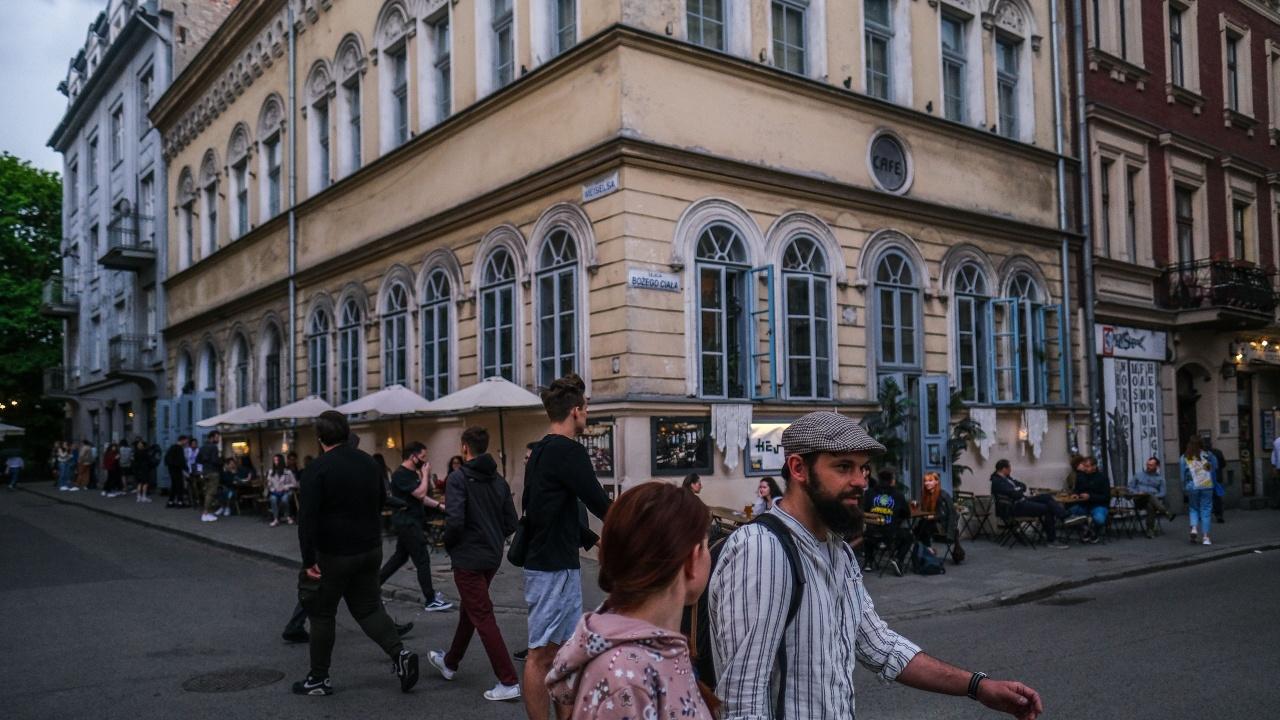 Жест към хотелите: Полша смекчава ограниченията срещу COVID