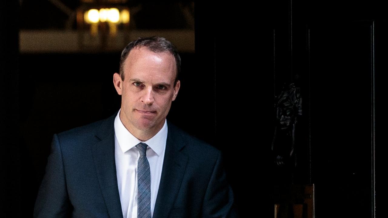 Британският външен министър заяви намерение да разговаря с Лавров