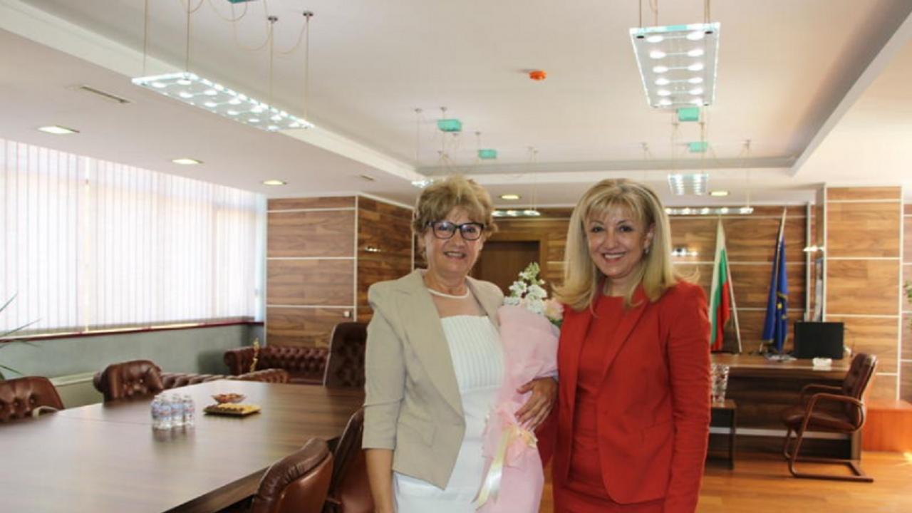 Петя Аврамова: С тревога следя случващото се в МРРБ