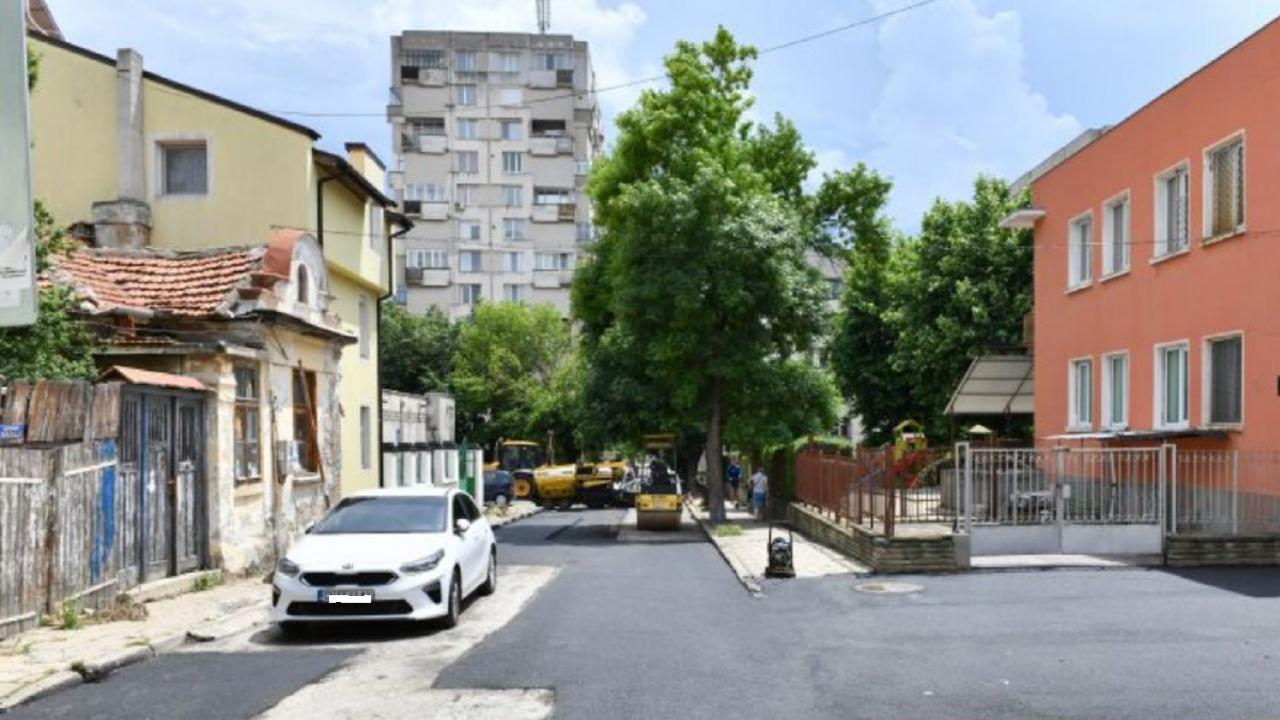 Община Сливен започна поетапен ремонт на уличната пътна мрежа