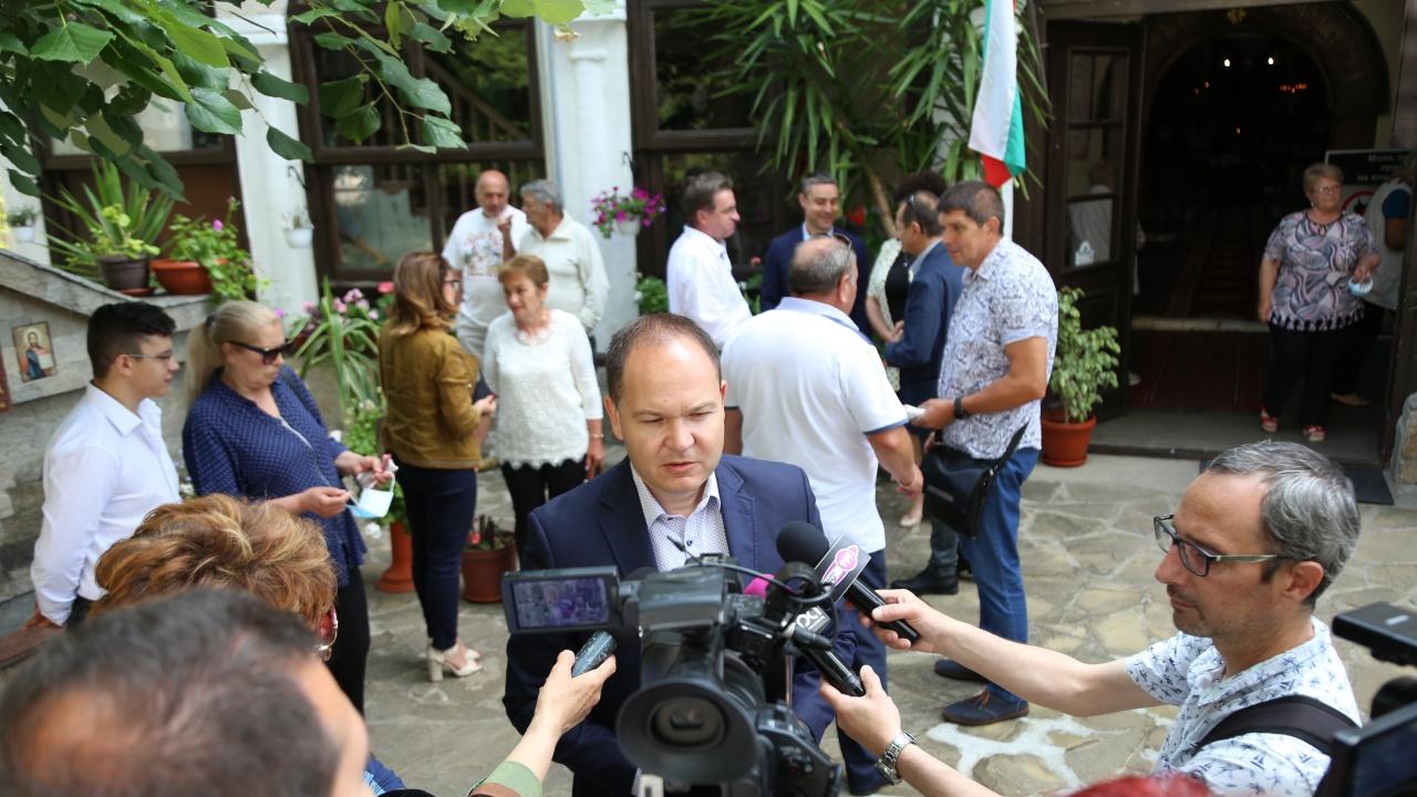 Коалицията ГЕРБ-СДС откри предизборната камапания в Ямбол с призив за ред в хаоса