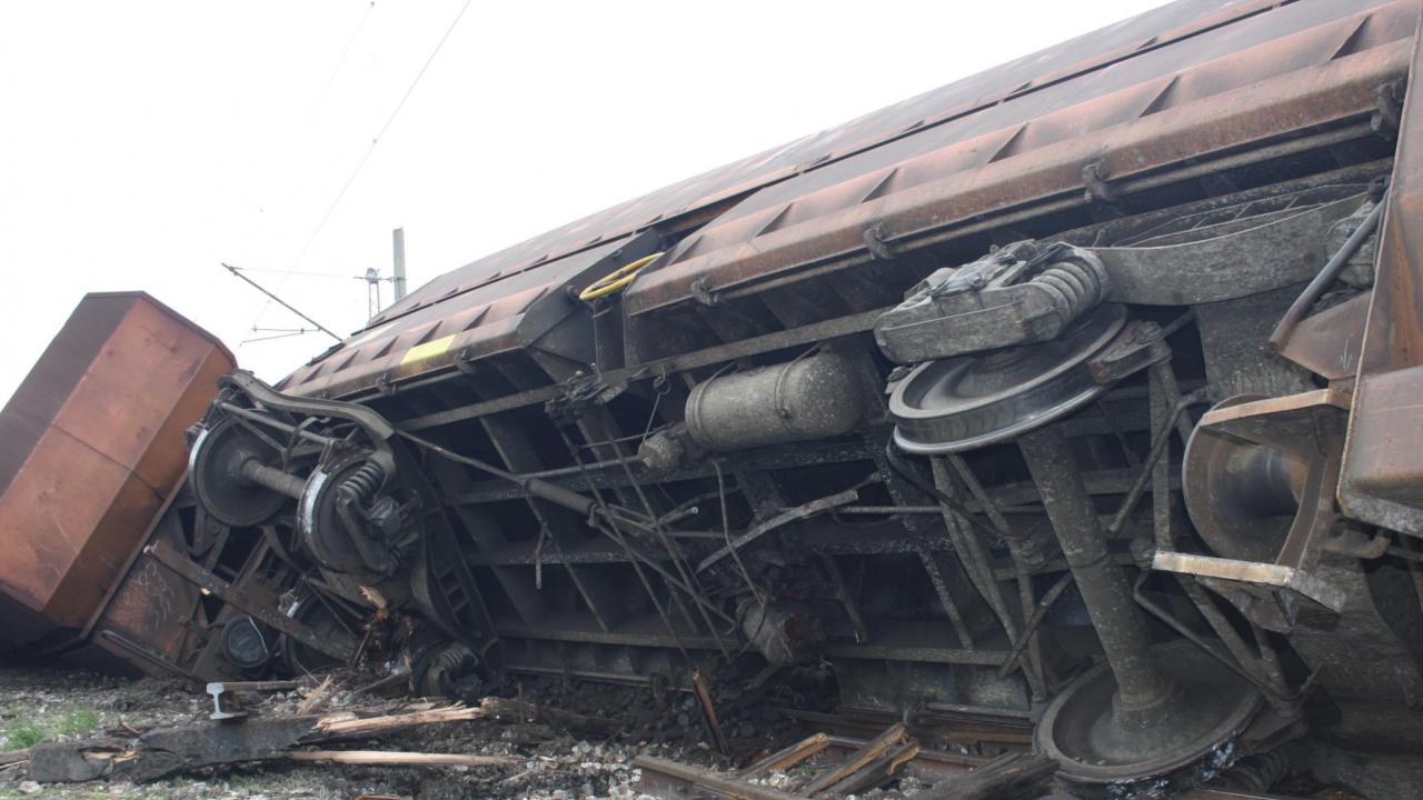 Влак дерайлира по направлениетоБелово- Костенец
