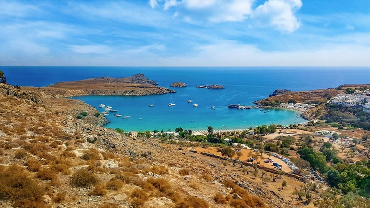 Гърция ще приема туристи и с бърз COVID тест