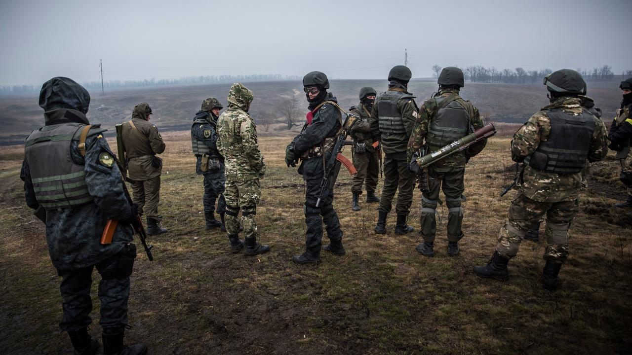 Проруските сепаратисти в Донбас обвиняват правителствените сили, че са убили петима техни бойци